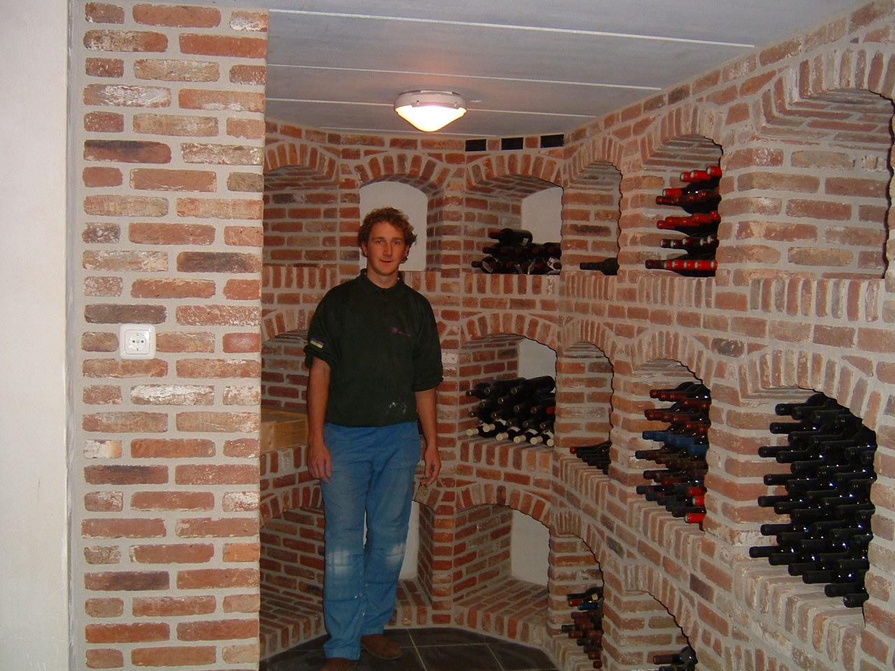 Siermetselwerk ros for Wijnkelder ontwerp